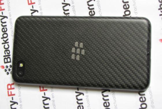blackberry z30 vue de dos